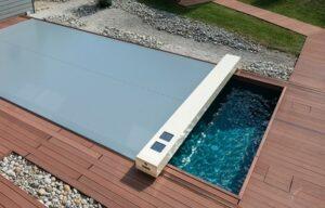 Couverture à volet piscine