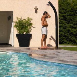 Le fonctionnement d'une douche solaire piscine