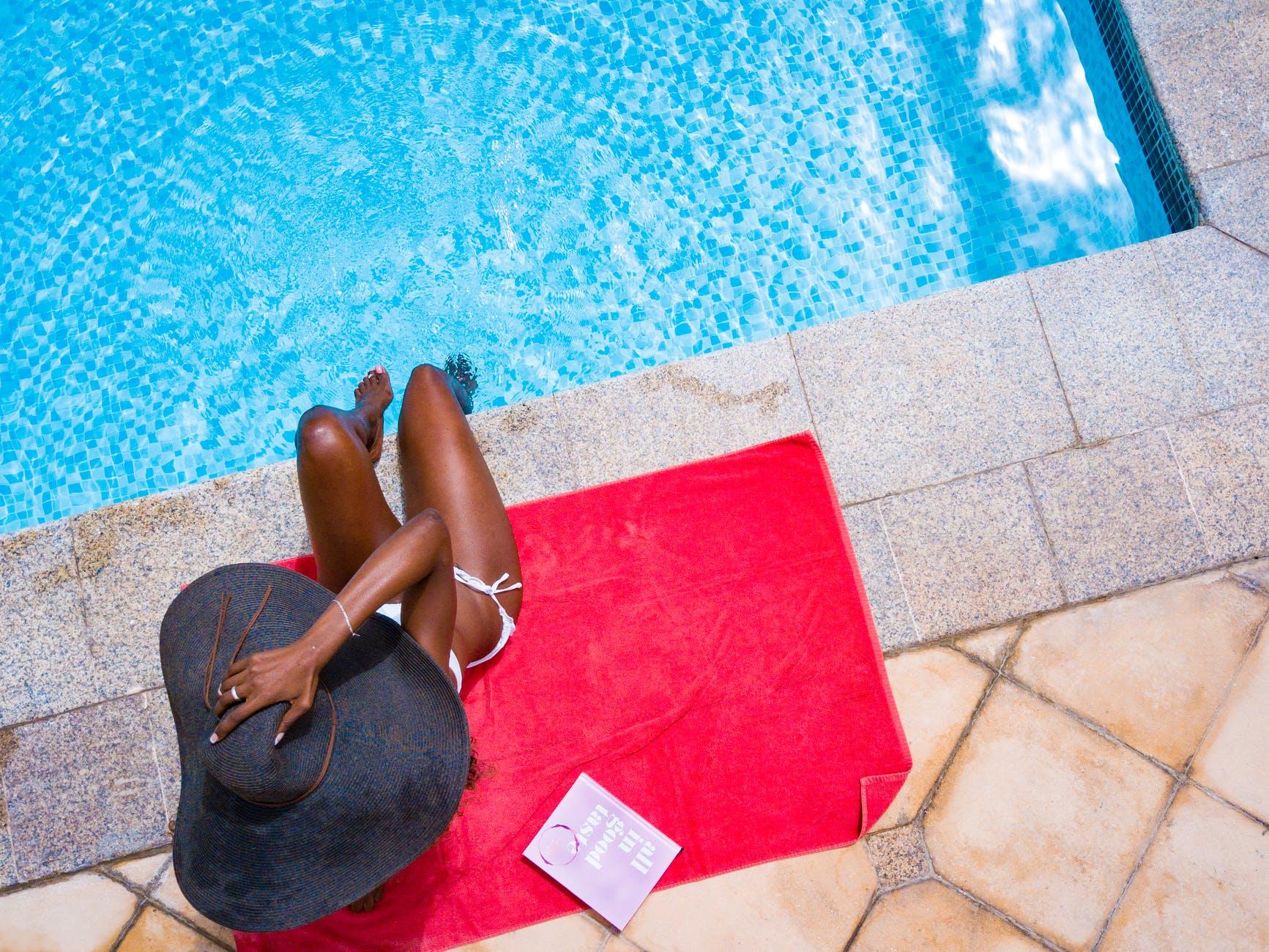 Quelles sont les spécificités d'une piscine enterrée en béton