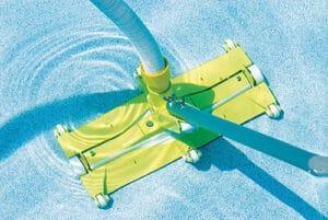 Comment choisir un balai aspirateur piscine ?